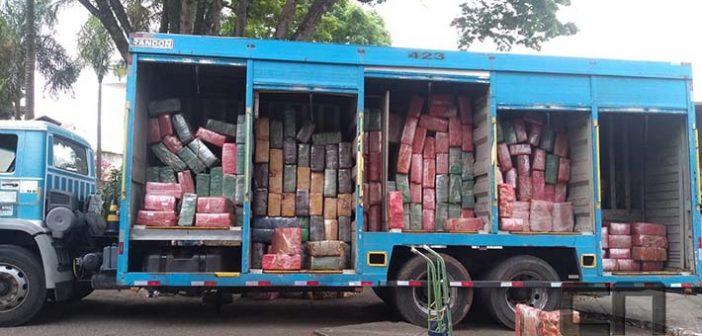 Polícia Rodoviária apreende mais de oito toneladas de maconha na rodovia Castelo Branco, em Itu